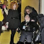 На шоу Пугачевой была девушка инвалид которой Алла отдает всю пенсию