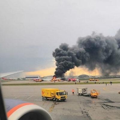 Девушка вовремя сдала билет на сгоревший в Шереметьево самолет и спаслась